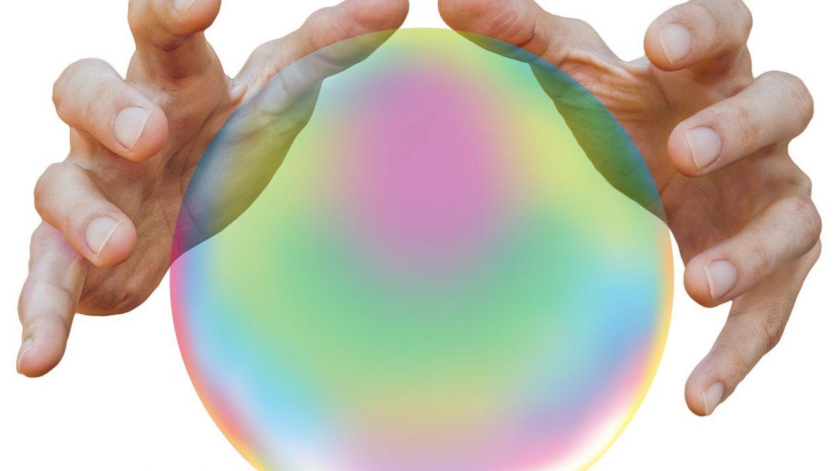 Quelles différences entre divination et voyance ?